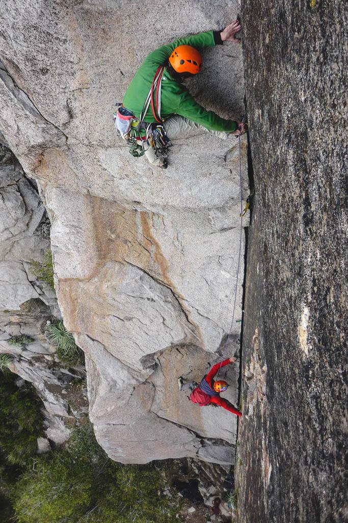 malku escuela outdoor escalada tradicional simultaneo